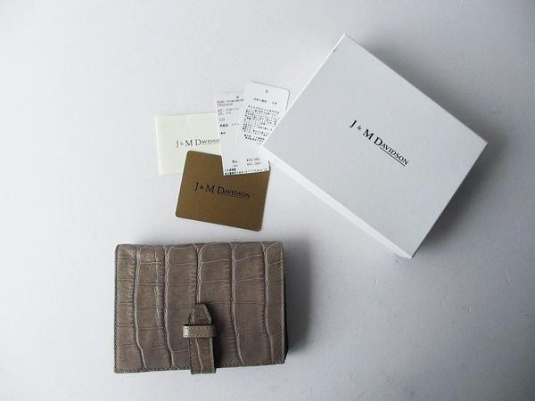 J&M Davidsonクロコ調型押し折り財布