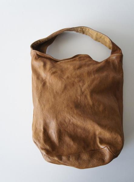 CHRISTIAN PEAUレザーハンドバッグ