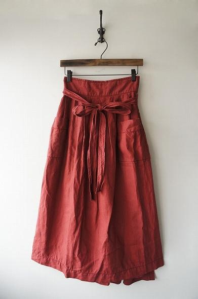 タックロングラップスカート