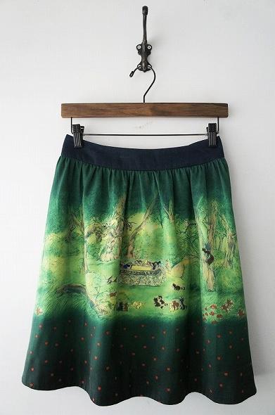 ディズニー110週年白雪姫スカート