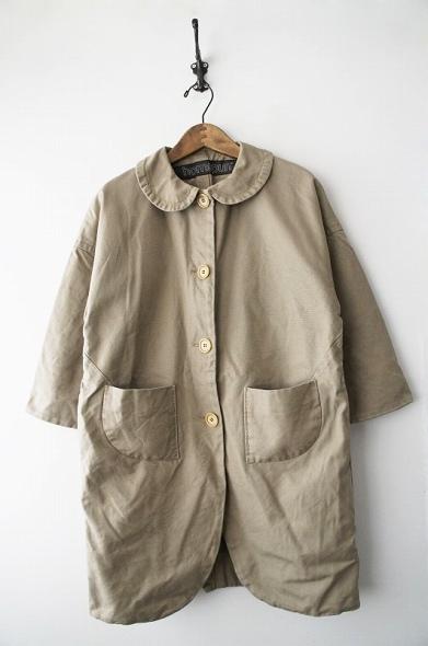 丸襟コート