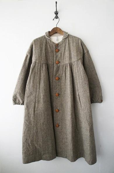 チビ襟ウールコート