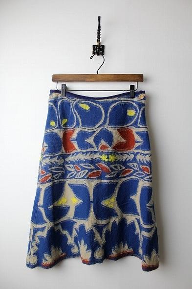 花柄縮絨ウール台形スカート