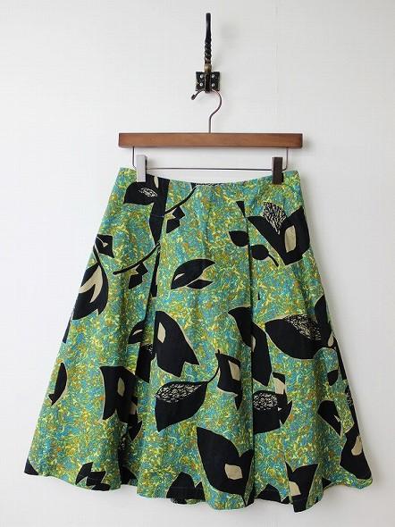 プリーツフレア総柄スカート