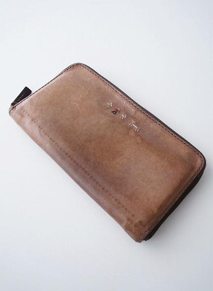 ラウンドジップ長財布
