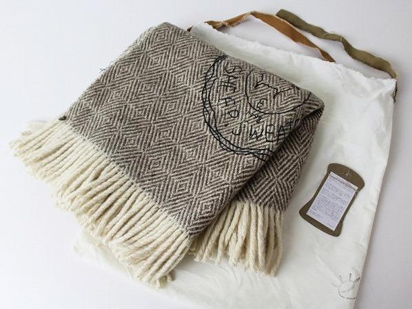 sheep wool sweater ロゴ刺繍ウールブランケット
