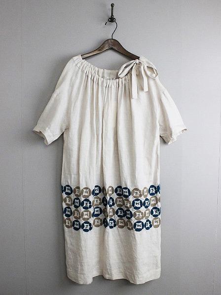 dear リネン刺繍ワンピース