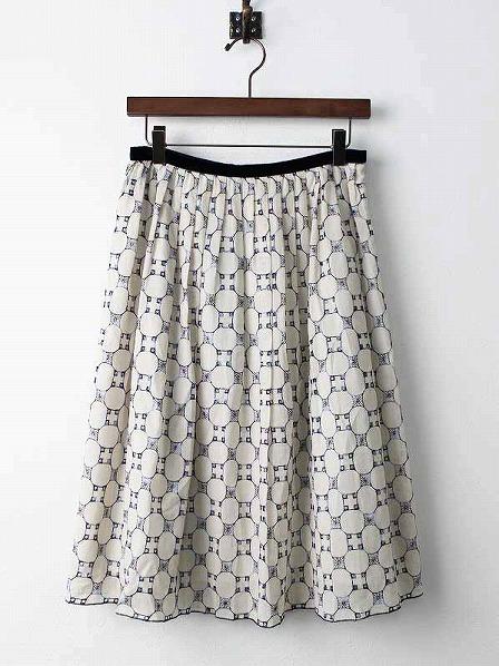 ブロック刺繍フレアスカート