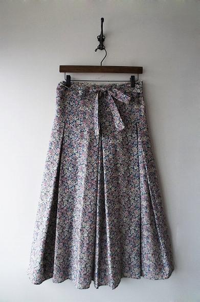 フラワープリントフレアラップスカート