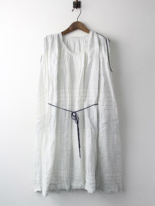 cahier ドレス